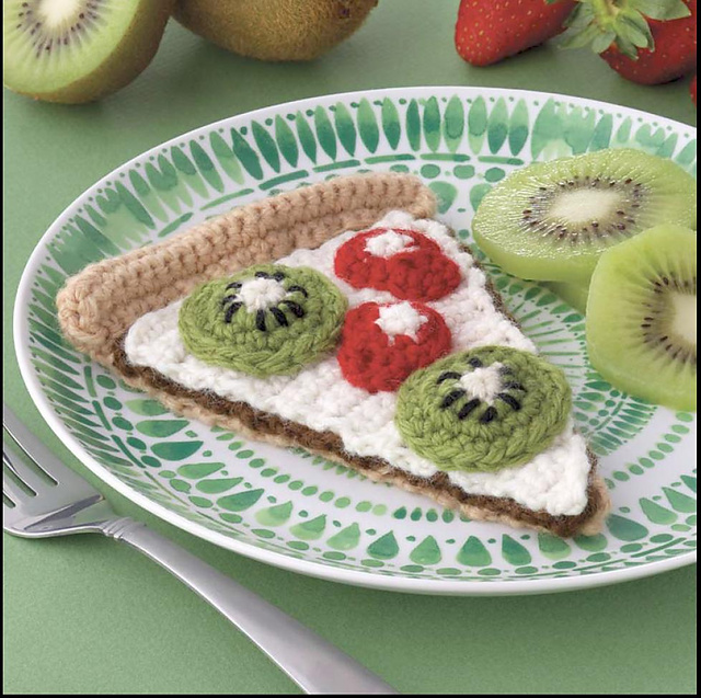 Yummi Gurumi Over 60 Gourmet Crochet Treats to Make - Pattern Dessert Pizza Slice