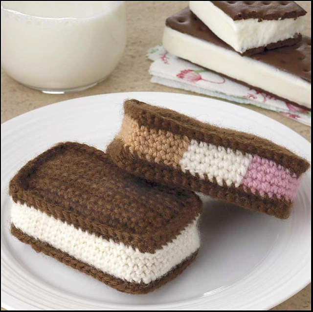 Yummi Gurumi Over 60 Gourmet Crochet Treats to Make - Pattern Ice Cream Sandwiches - Frozen Treats