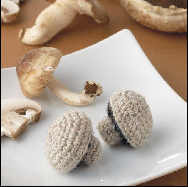 Yummi Gurumi Over 60 Gourmet Crochet Treats to Make - Pattern Whole Mushroom