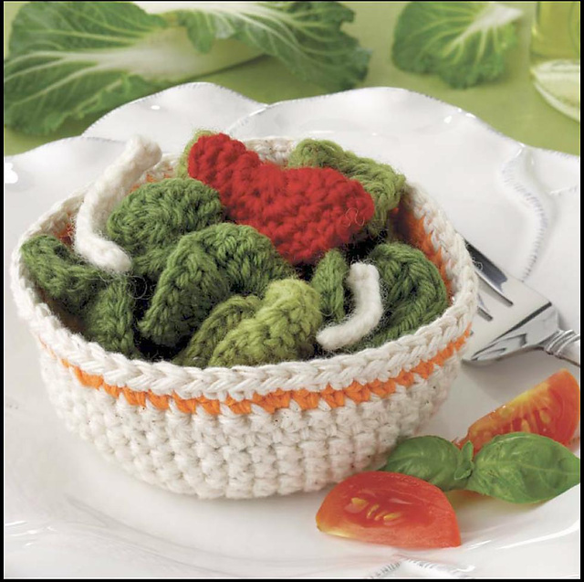 Yummi Gurumi Over 60 Gourmet Crochet Treats to Make - Pattern Side Salad with Veggies & Serving Bowl