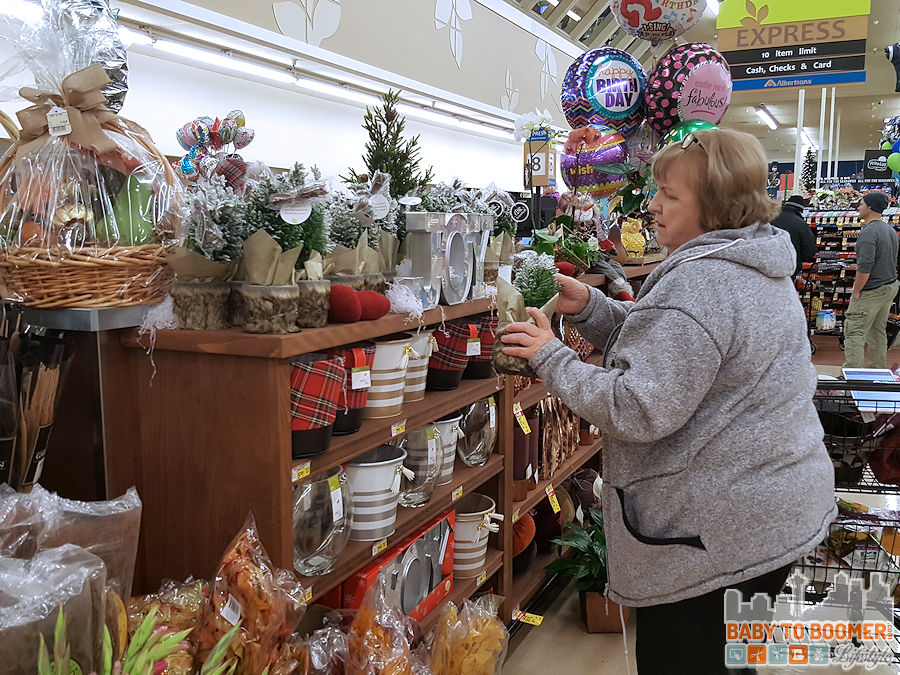 Holiday Decor just for U®;: Albertsons Savings Program with Personalized Deals #ad