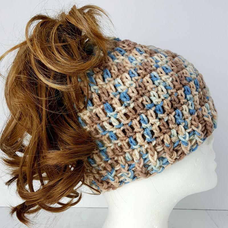 6b66f02a843 Easy Messy Bun Hat – A free Crochet Pattern by Yolanda Soto-Lopez