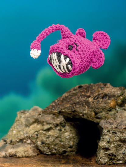 Angler Fish - Bathtime-Buddies - 20 Crochet Animals from the Sea