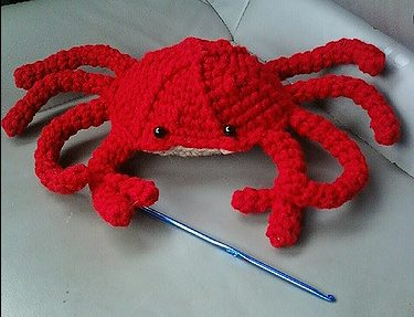 Crab by Helen Fey - Free Crochet Pattern
