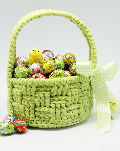 Fun Easter Basket Crochet Patterns - Free & Paid - FREE Easter Basket Crochet Pattern by Yarnplaza.com