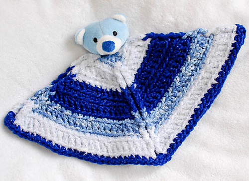 Free TOP THIS YARN Crochet Pattern - Bear Lovey Blanket - Photo Credit: Kara Gunza