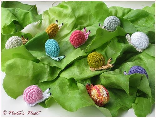 GET THE FREE CROCHET PATTERN HERE –>Tiny Snails by Nata's Nest