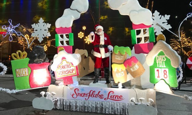 2018 Bellevue Holiday Events: Snowflake Lane Tree Lighting, Nightly Parade, & Santa Photos