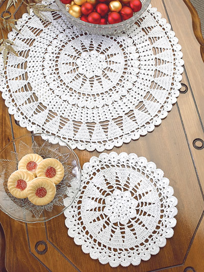 Christmas Trees Doily Set Crochet Pattern