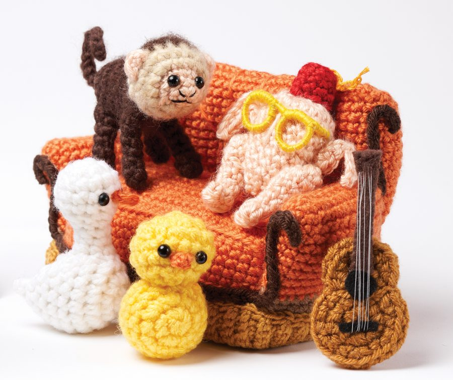 TV's FRIENDS are here with the Central Perk Couch! Crochet Patterns for all characters plus fun props! aff
